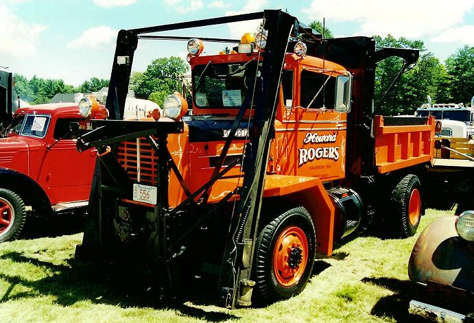 http://www.badgoat.net/Old Snow Plow Equipment/Trucks/Oshkosh Plow Trucks/Oshkosh Trucks/GW691H471-8.jpg